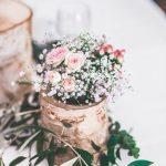 Blumenschmuck auf einer Hochzeit